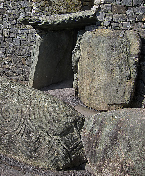 http://www.richardsprengeler.com/tunnel-tomb-entrance-newgrange/