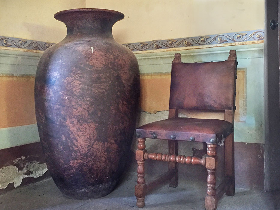 http://www.richardsprengeler.com/pot-and-chair-hacienda-jalisco-2/