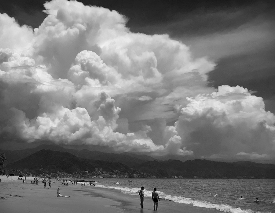 http://www.richardsprengeler.com/thunderstorm-and-beach-puerto-vallarta/