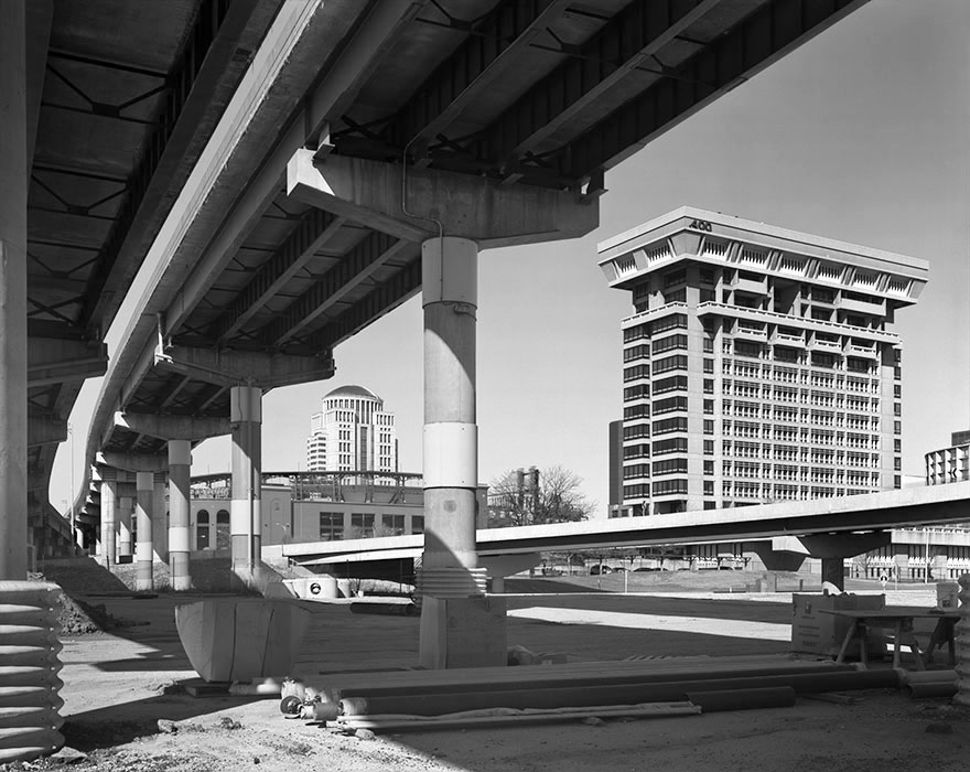 /product//i-64-bridge-approach-and-the-pet-building-2017/