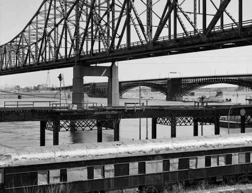 Martin Luther King and Eads Bridges, Laclede's Landing, Flood of 1985
