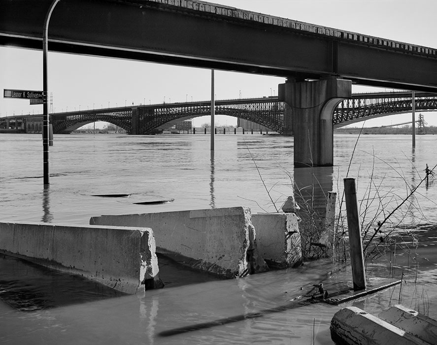 /product//the-eads-bridge-from-warf-street-flood-of-2016/