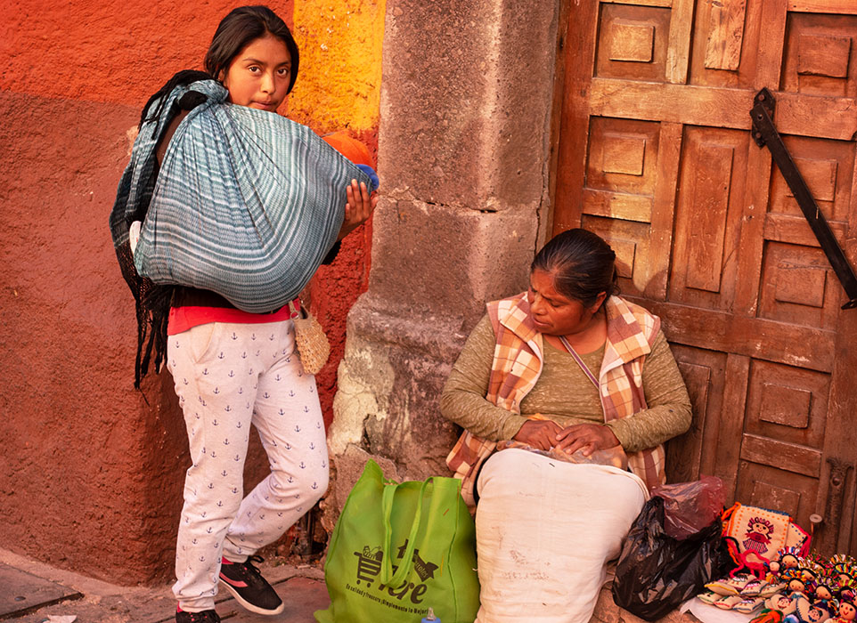 /product//homeless-family-three-generations-san-miguel-de-allende-mexico-2019/