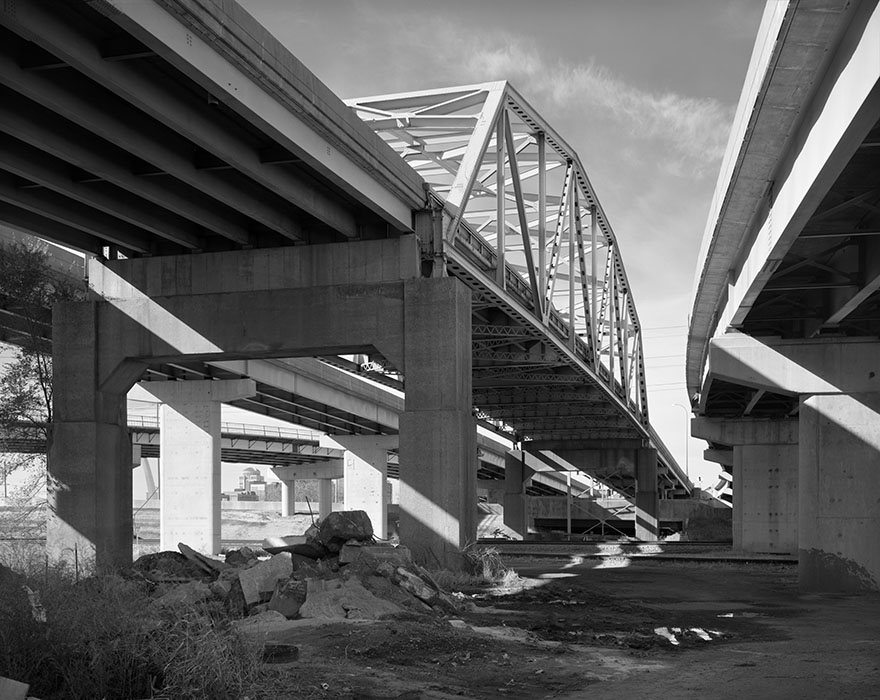 /product//martin-luther-king-bridge-approaches-east-st-louis-illinois-2017/