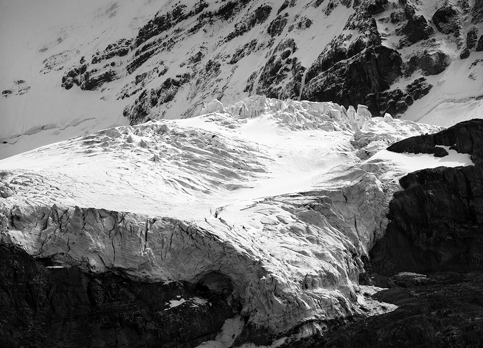 /product//mount-andromeda-and-the-athabasca-glacier-columbia-icefield-jasper-national-park-canada-2019/