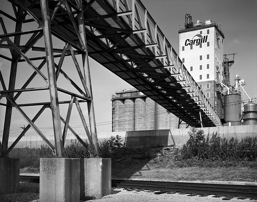 /product//grain-elevator-flood-wall-east-st-louis-riverfront-2002/