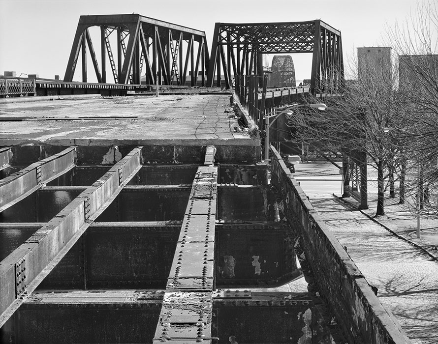 /product//abandoned-vehicular-deck-3-macarthur-bridge-2020/