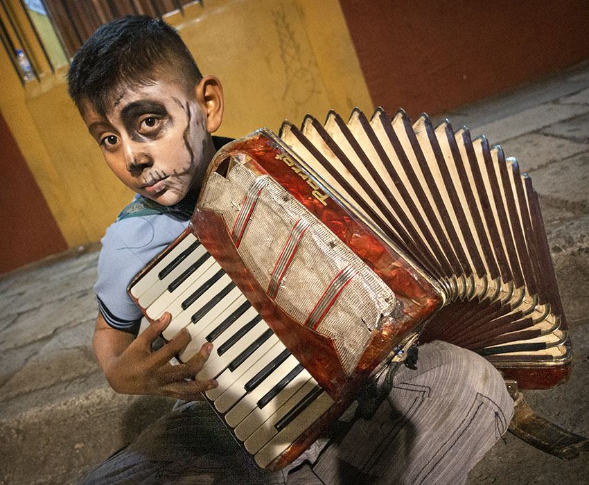 /product//street-musician-night-day-of-the-dead/