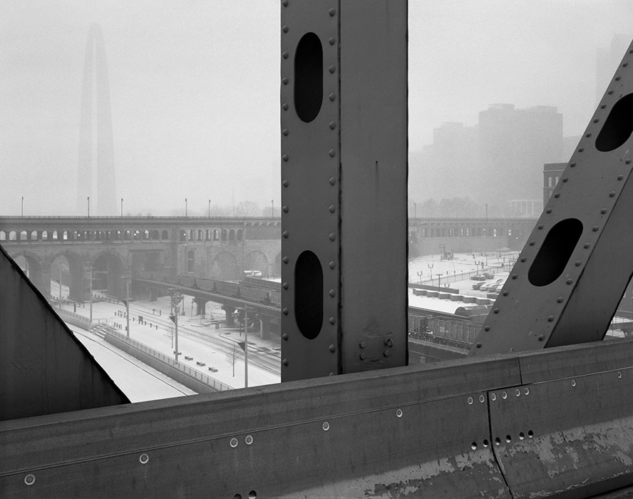 /product//arch-lacledes-landing-freight-train-blizzard-from-the-martin-luther-king-bridge-2019/