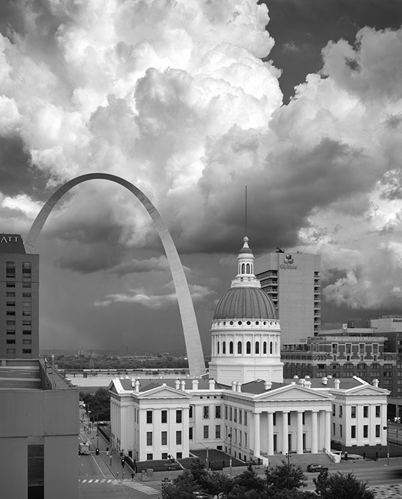 /product//arch-and-the-old-courthouse-thunderstorm-rainbow-2020/