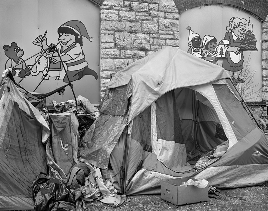 /product//homeless-tents-north-of-lacleades-landing-2021/
